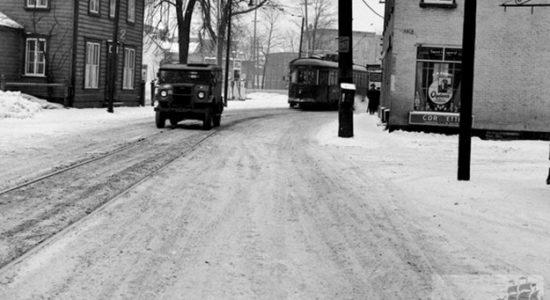 Saint-Sauveur dans les années 1940 (16) : rue Saint-Vallier et tramway - Jean Cazes