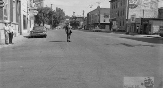 Saint-Sauveur dans les années 1960 : intersection des rues Marie-de-l'Incarnation et Saint-Vallier - Jean Cazes