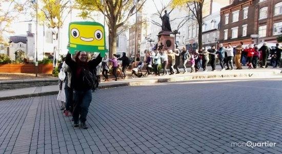 Marche et « p'tit train » pour le transport en commun - Suzie Genest
