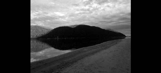 Les falaises se rapprochent | Anne-Marie Proulx