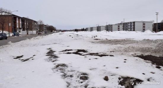 Lairet : annexion en vue de la bande de terrain appartement à Hydro-Québec? - Jean Cazes