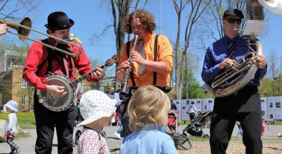 La Semaine des petits trésors : un feu roulant d'activités pour les 0 à 5 ans - Raymond Poirier