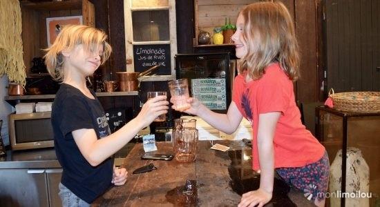 Eliot et Amandine se lancent en affaires - Viviane Asselin
