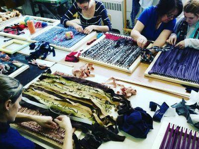 Tissage à la main avec retailles de tissus – Atelier grand public MMAQ