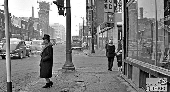 Saint-Roch dans les années 1960 (25) : Intersection de la Couronne et Charest Est - Jean Cazes