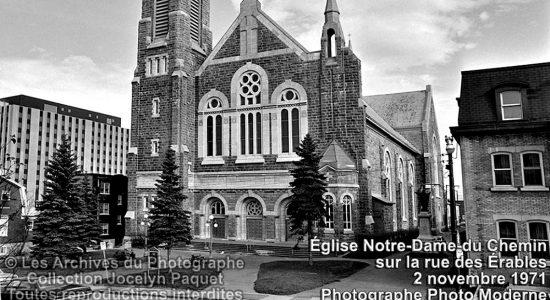 Montcalm dans les années 1970 : l'église Notre-Dame-du-Chemin - Jean Cazes