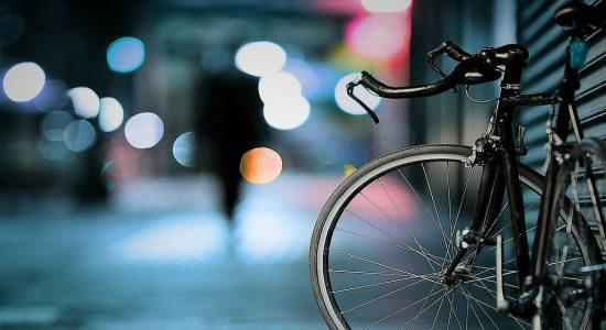 Deux intervenantes à vélo en mission à Limoilou pour l'été - Véronique Demers