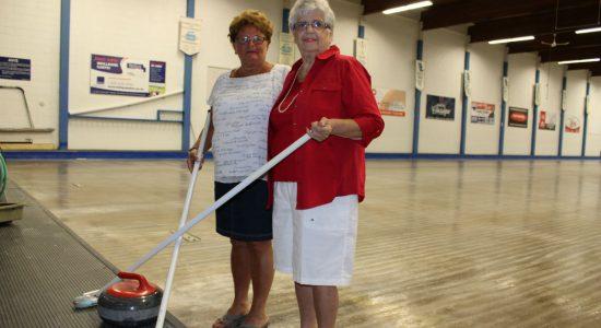 Jackie Caron, passionnée de curling à 84 ans - Véronique Demers