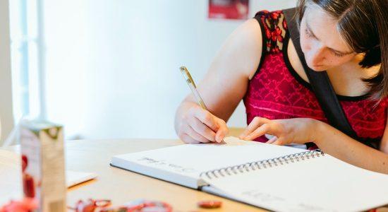 Une résidence d'écriture à Saint-Albert-le-Grand avec Émilie Rivard - Jason Duval