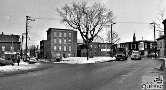 Saint-Sauveur dans les années 1970 (14) : intersection Bigaouette et Saint-Vallier Ouest - Jean Cazes