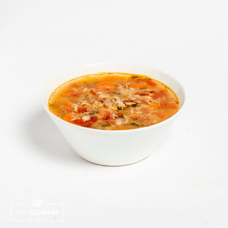 Soupe au poulet, orge et légumes