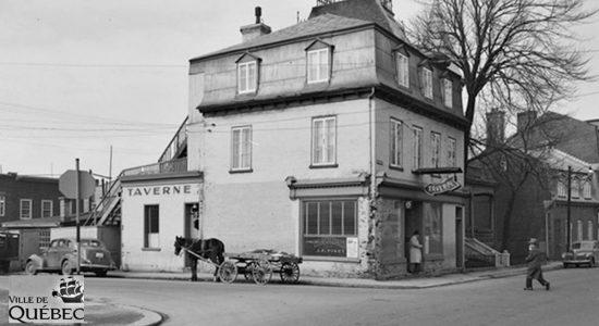 Saint-Sauveur dans les années 1950 (11) : taverne au coin Saint-Vallier et Renaud - Jean Cazes