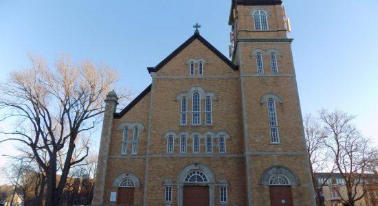 Église Sainte-Angèle-de-Saint-Malo : rumeurs de fermeture non fondées - Julie Rheaume